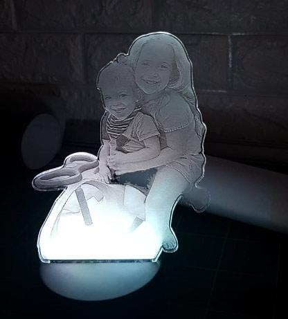 מנורת LED בעיצוב אישי